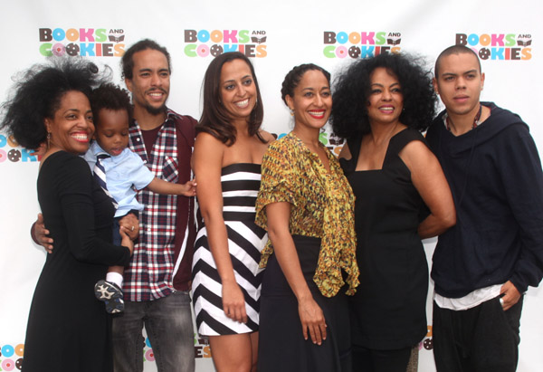 books cookies tracee ellis ross comes out to support her new sister s store rumorweaver. Black Bedroom Furniture Sets. Home Design Ideas